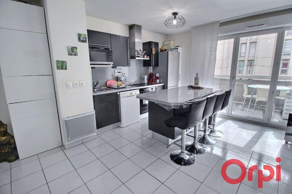 Appartement à vendre 3 65m2 à Marseille 10 vignette-2