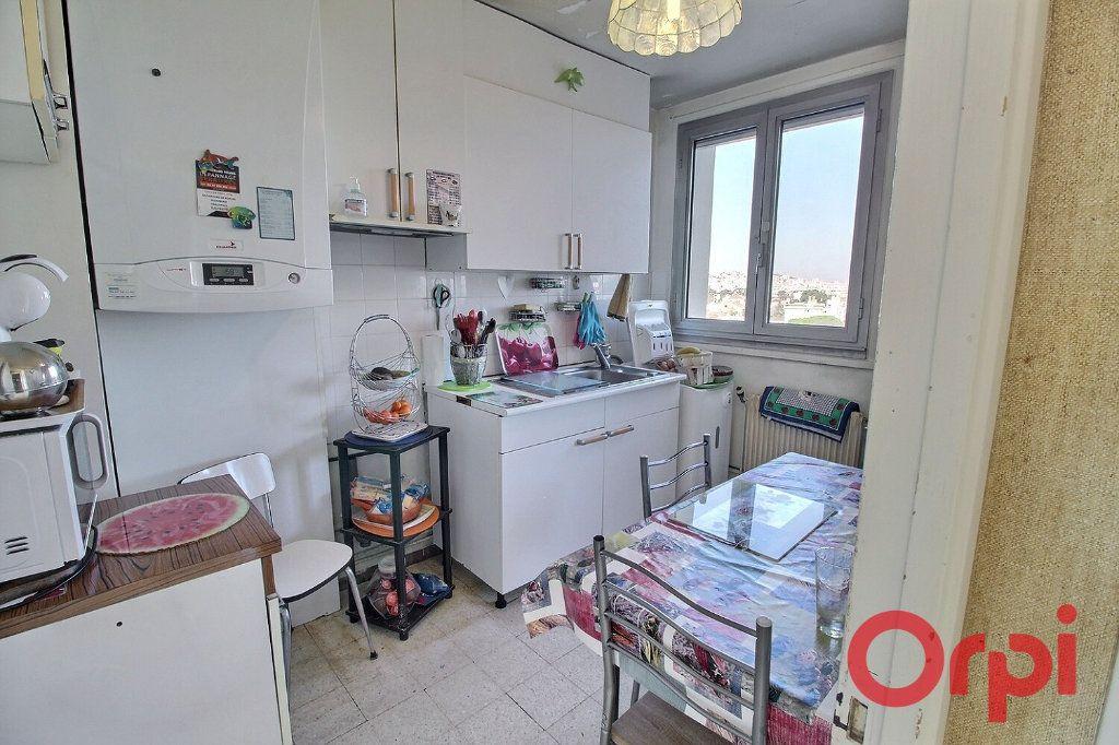 Appartement à vendre 4 65m2 à Marseille 9 vignette-3