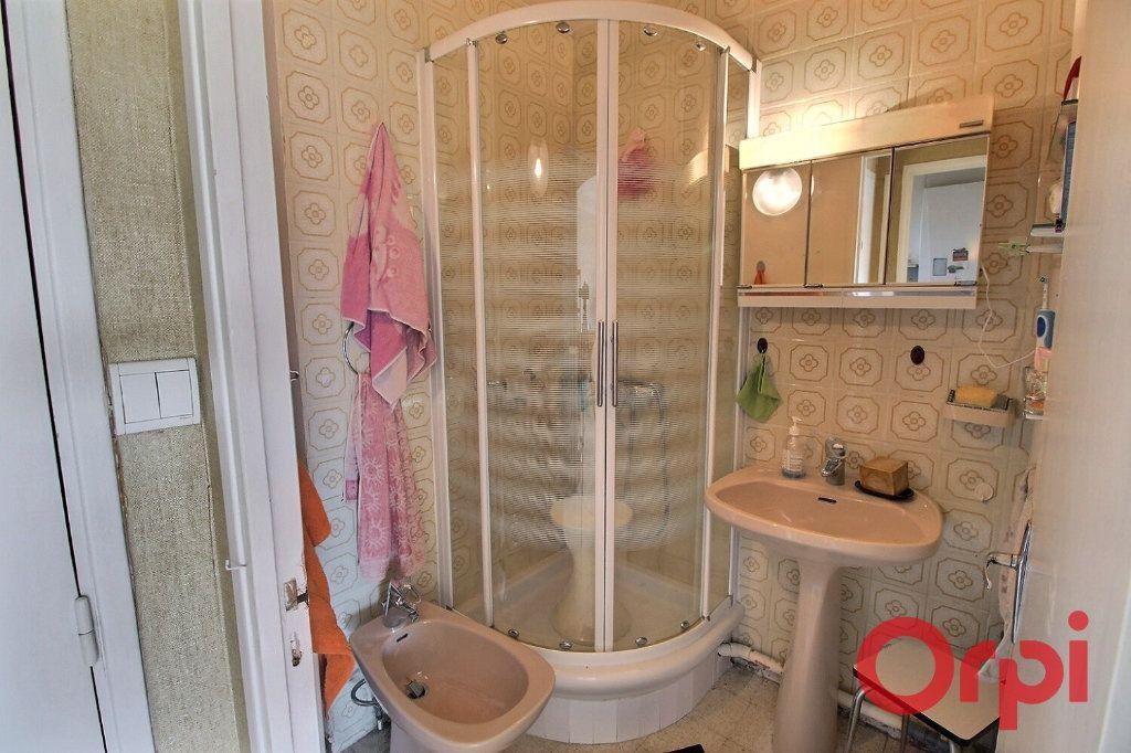 Appartement à vendre 4 65m2 à Marseille 9 vignette-4