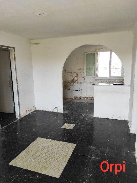 Appartement à vendre 3 49.01m2 à Marseille 10 vignette-1