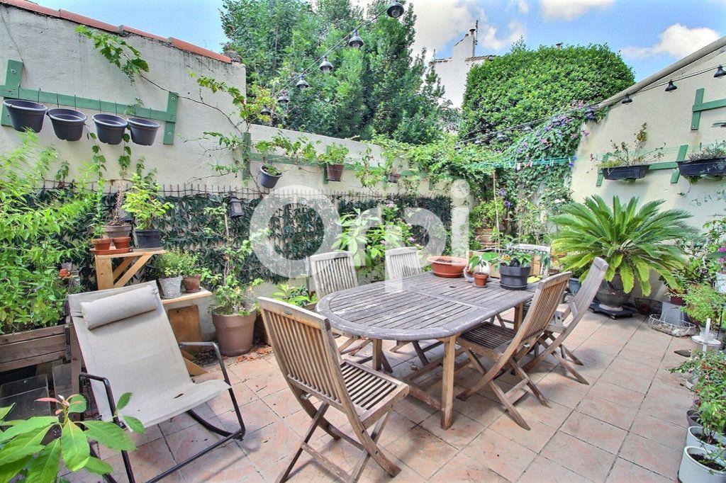 Maison à vendre 6 143m2 à Marseille 10 vignette-1