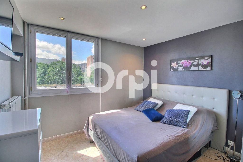 Appartement à vendre 4 72m2 à Marseille 10 vignette-1
