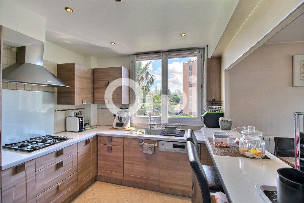 Appartement à vendre 4 72m2 à Marseille 10 vignette-2