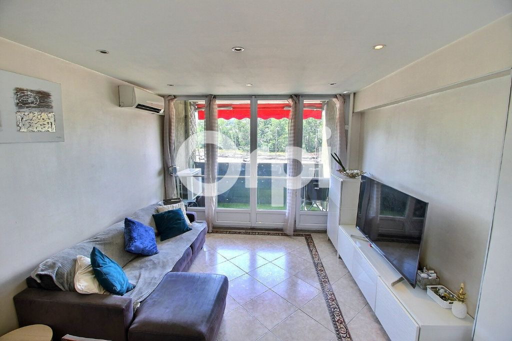 Appartement à vendre 4 72m2 à Marseille 10 vignette-3