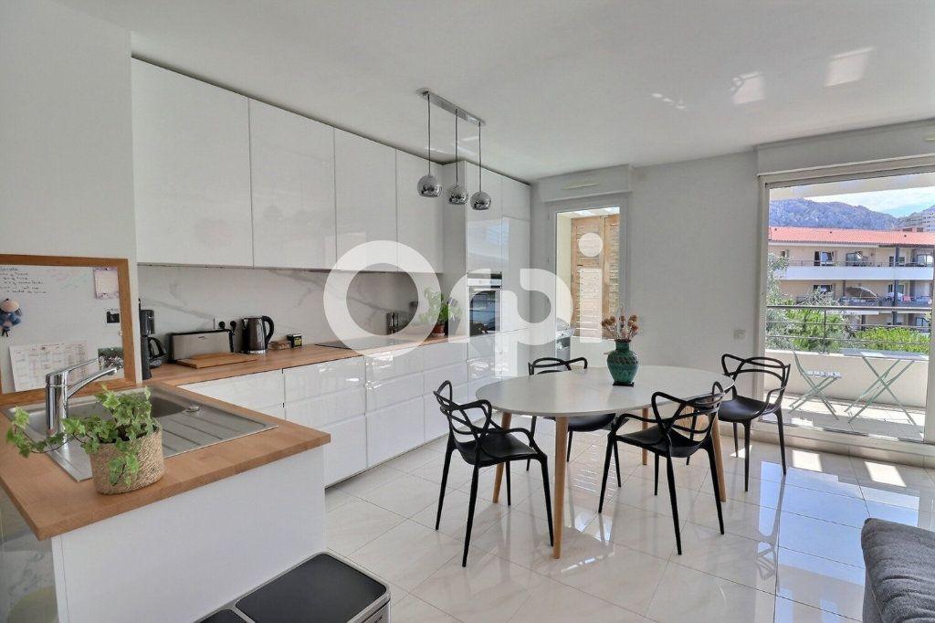 Appartement à vendre 4 80m2 à Marseille 8 vignette-3