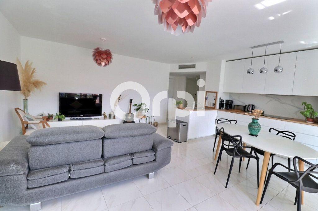 Appartement à vendre 4 80m2 à Marseille 8 vignette-4