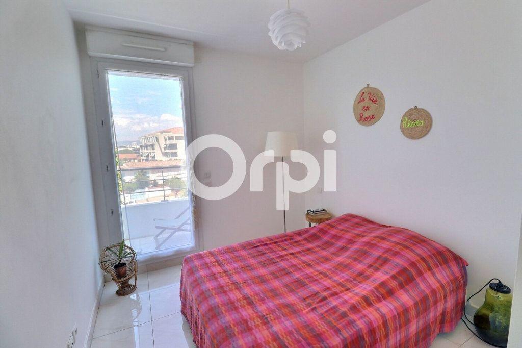 Appartement à vendre 4 80m2 à Marseille 8 vignette-8