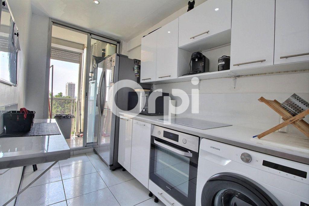 Appartement à vendre 4 69m2 à Marseille 10 vignette-3