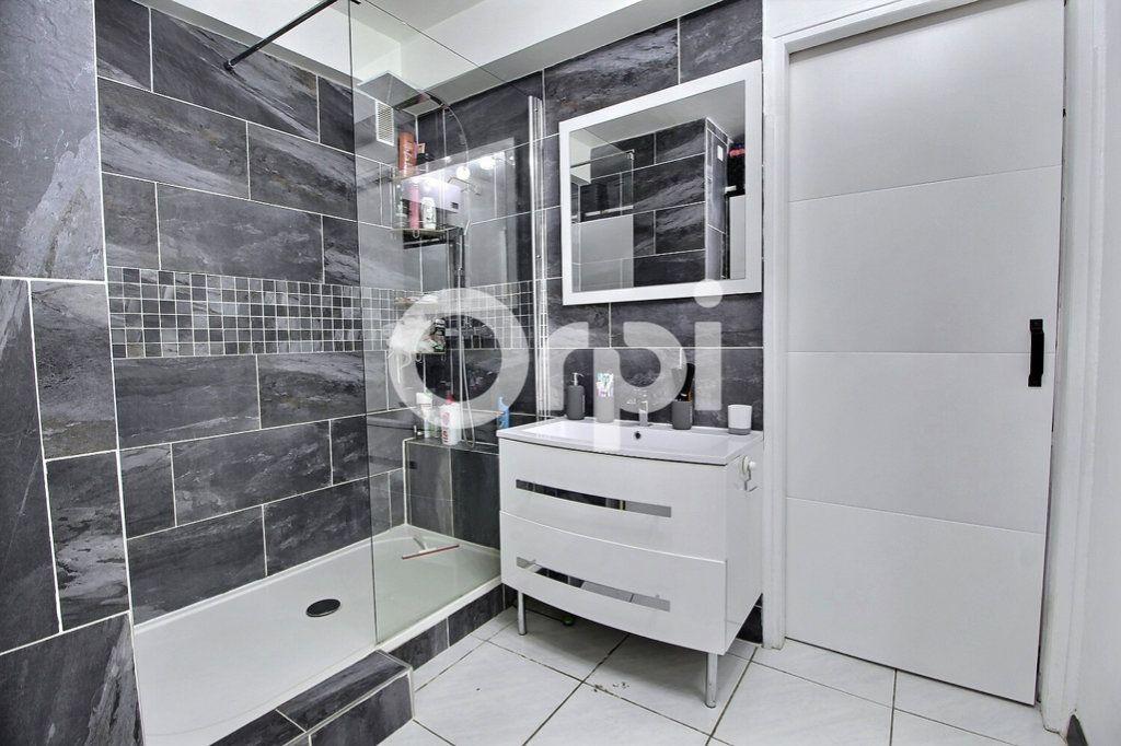 Appartement à vendre 4 69m2 à Marseille 10 vignette-4