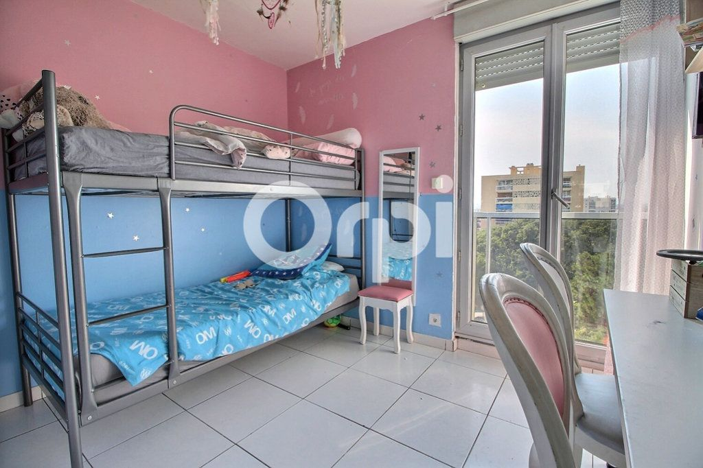 Appartement à vendre 4 69m2 à Marseille 10 vignette-6