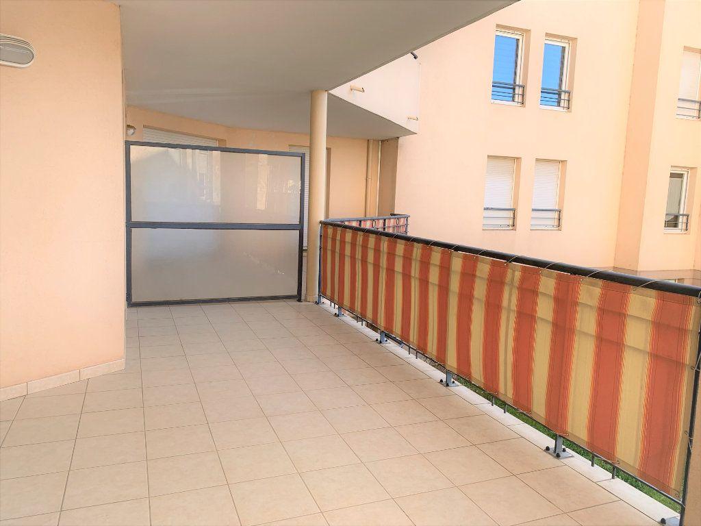 Appartement à vendre 3 73.45m2 à Hyères vignette-3