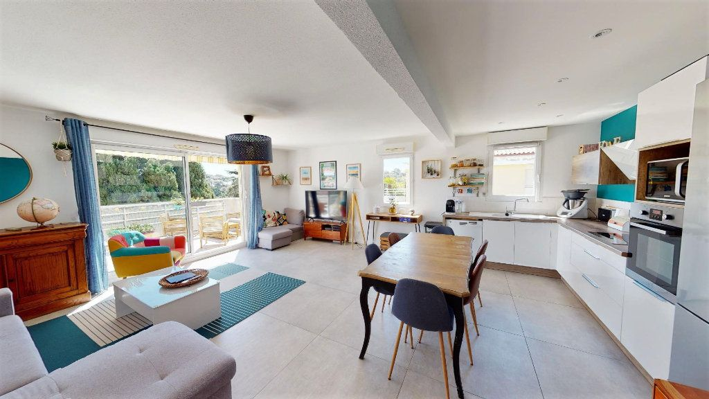 Appartement à vendre 4 92.43m2 à Hyères vignette-2