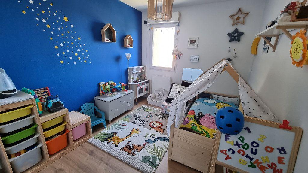 Appartement à vendre 4 92.43m2 à Hyères vignette-6