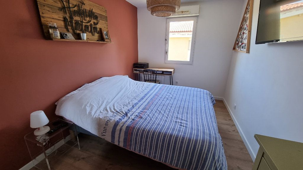 Appartement à vendre 4 92.43m2 à Hyères vignette-7