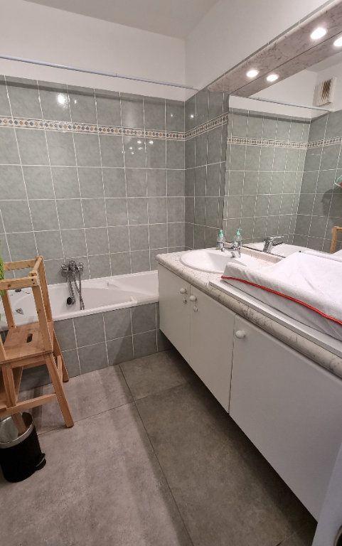 Appartement à vendre 4 92.43m2 à Hyères vignette-9