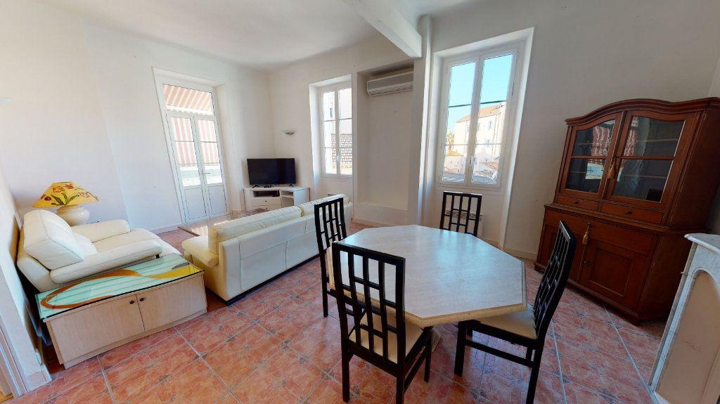 Appartement à vendre 4 95.01m2 à Hyères vignette-1