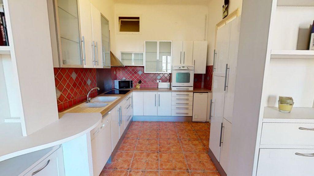 Appartement à vendre 4 95.01m2 à Hyères vignette-2