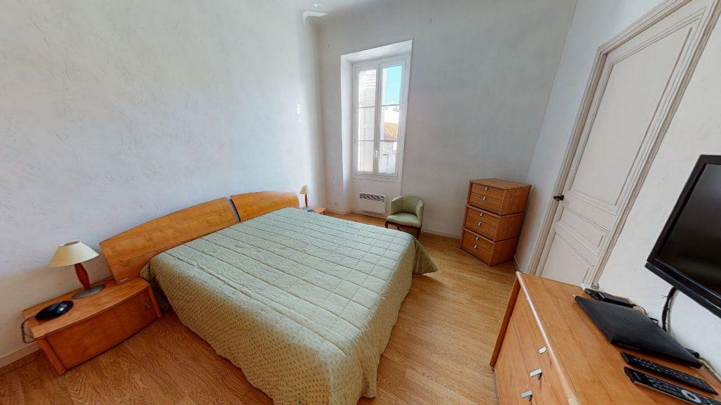 Appartement à vendre 4 95.01m2 à Hyères vignette-3