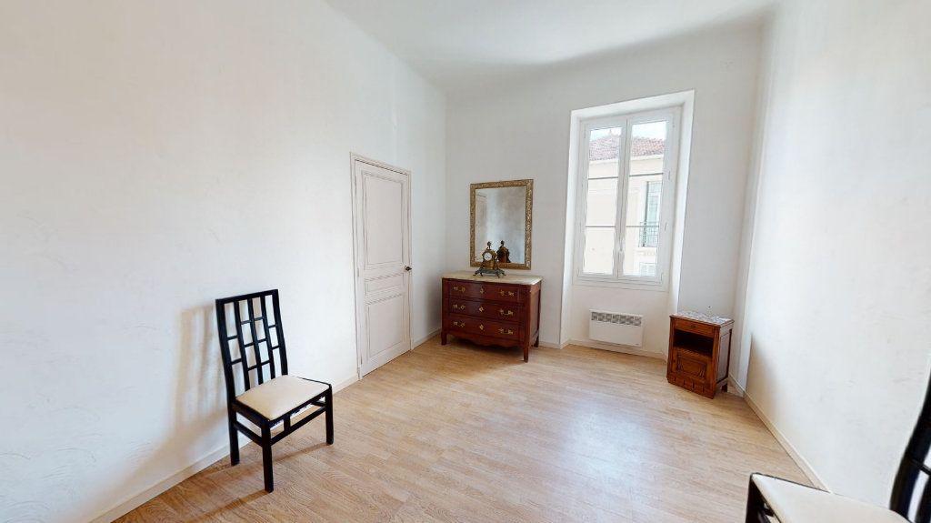 Appartement à vendre 4 95.01m2 à Hyères vignette-4