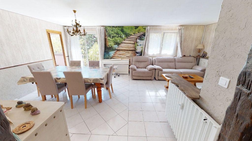 Appartement à vendre 3 75.99m2 à Hyères vignette-1