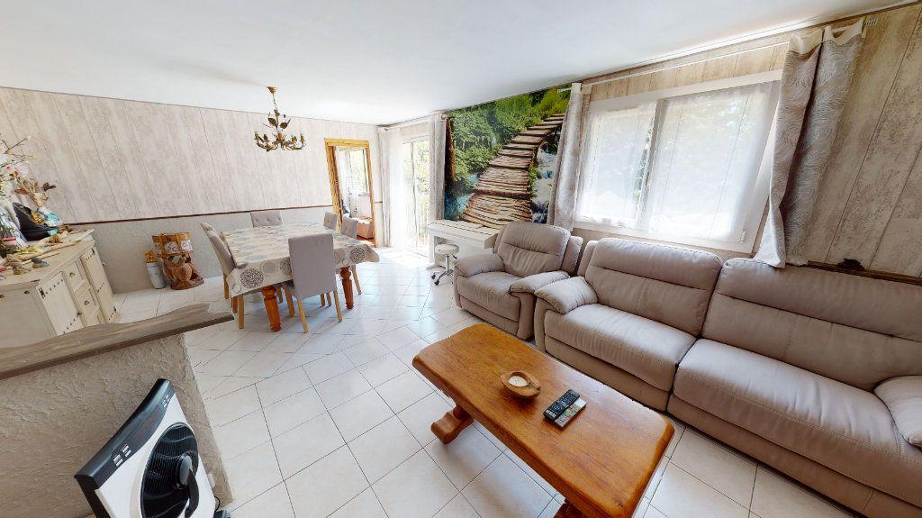 Appartement à vendre 3 75.99m2 à Hyères vignette-2