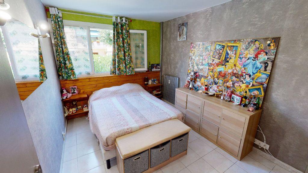 Appartement à vendre 3 75.99m2 à Hyères vignette-3
