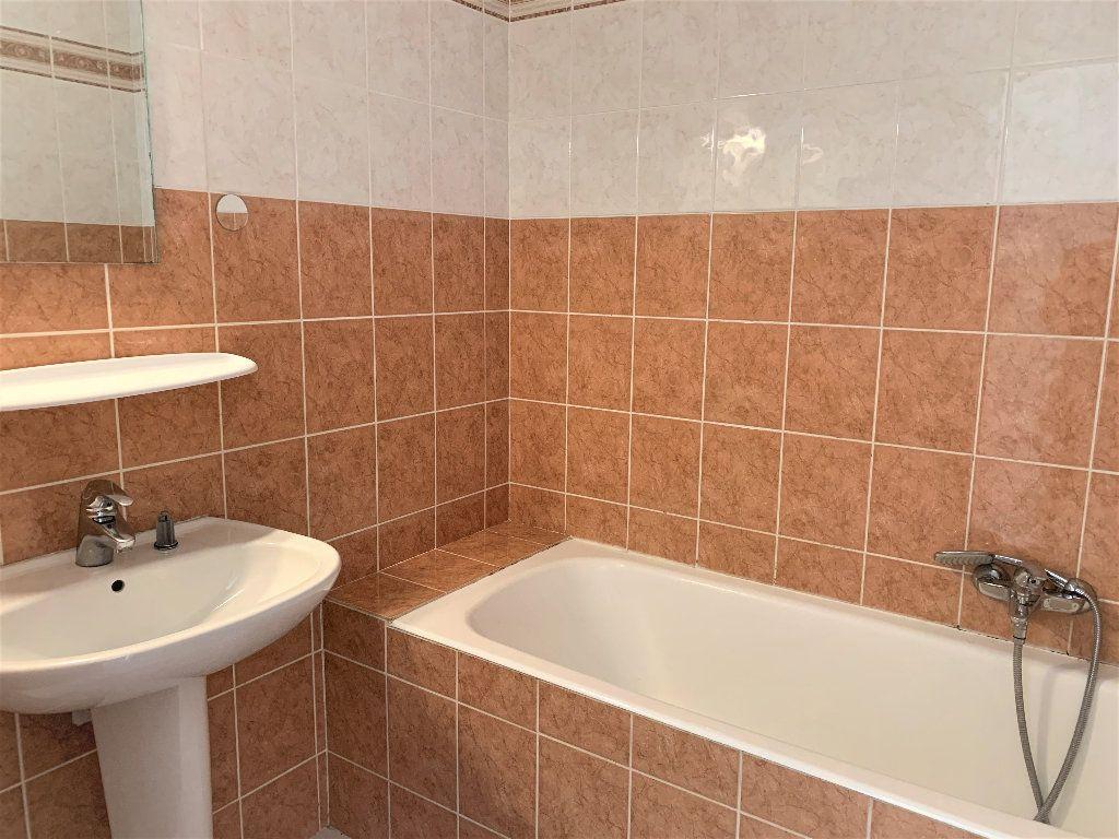 Appartement à vendre 3 80.042m2 à Hyères vignette-5