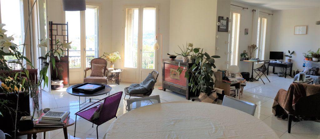Appartement à vendre 5 137.03m2 à Hyères vignette-3