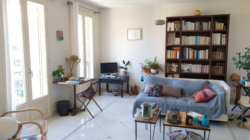 Appartement à vendre 5 137.03m2 à Hyères vignette-6