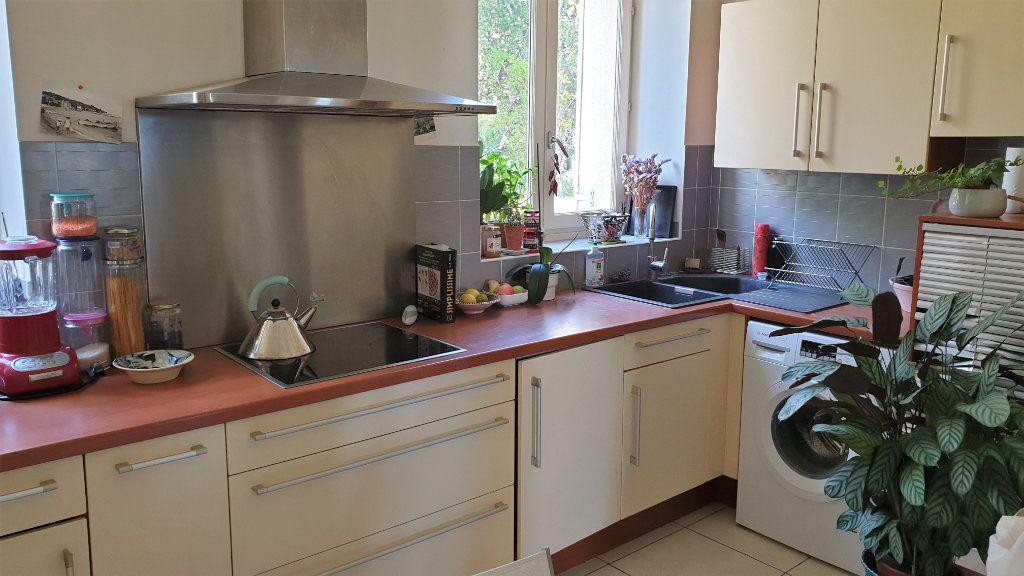 Appartement à vendre 5 137.03m2 à Hyères vignette-7