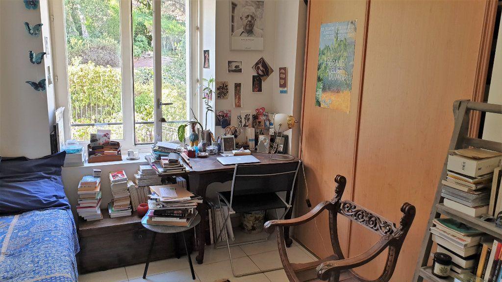Appartement à vendre 5 137.03m2 à Hyères vignette-12