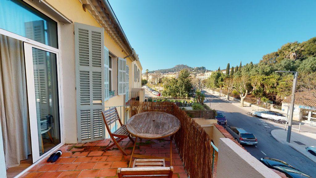 Appartement à vendre 2 28m2 à Hyères vignette-1