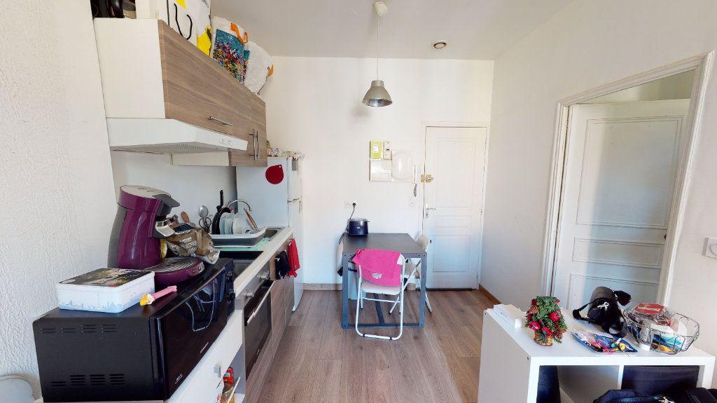 Appartement à vendre 2 28m2 à Hyères vignette-3