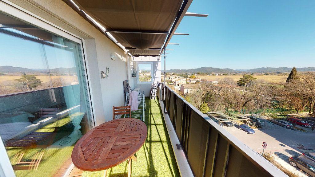 Appartement à vendre 3 62m2 à Hyères vignette-3