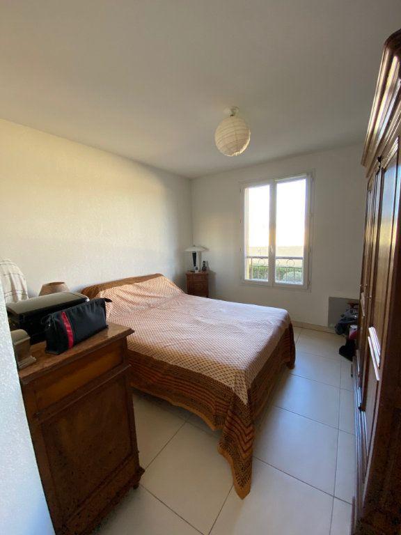 Appartement à vendre 3 63.83m2 à Cogolin vignette-5