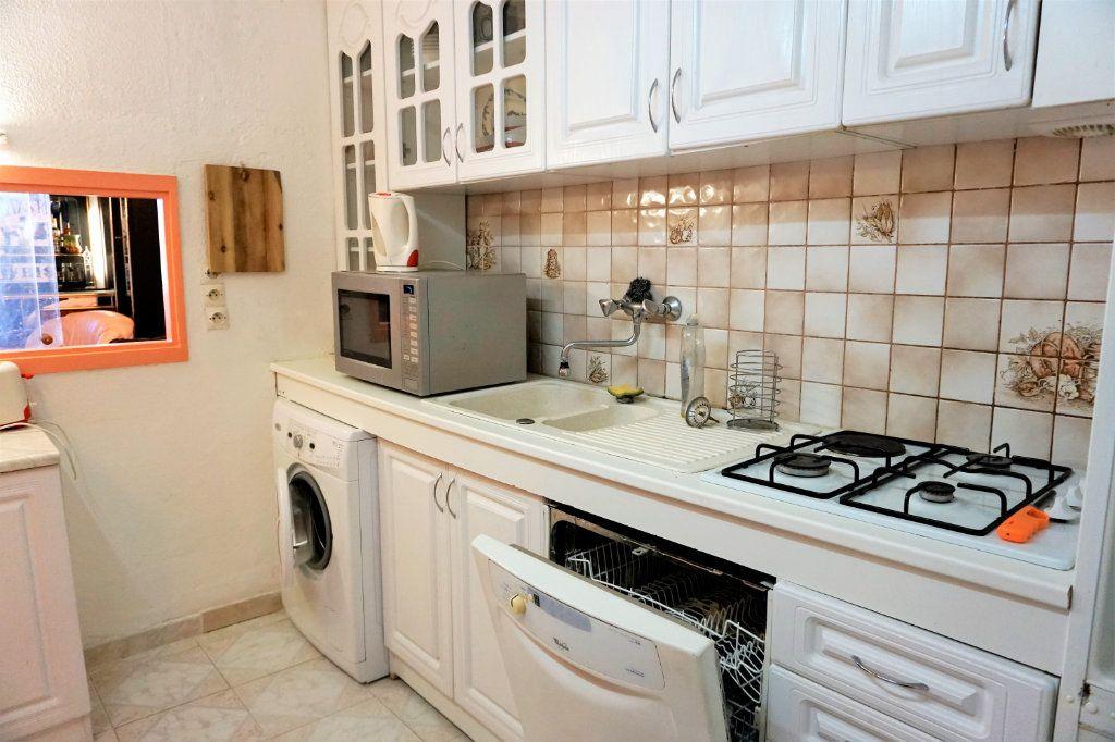 Appartement à vendre 4 45m2 à Hyères vignette-4
