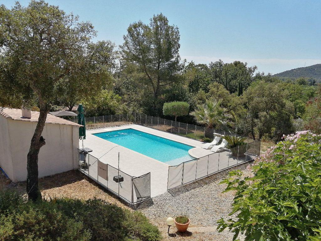 Maison à vendre 8 208.16m2 à Hyères vignette-1