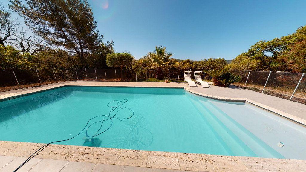Maison à vendre 8 208.16m2 à Hyères vignette-3