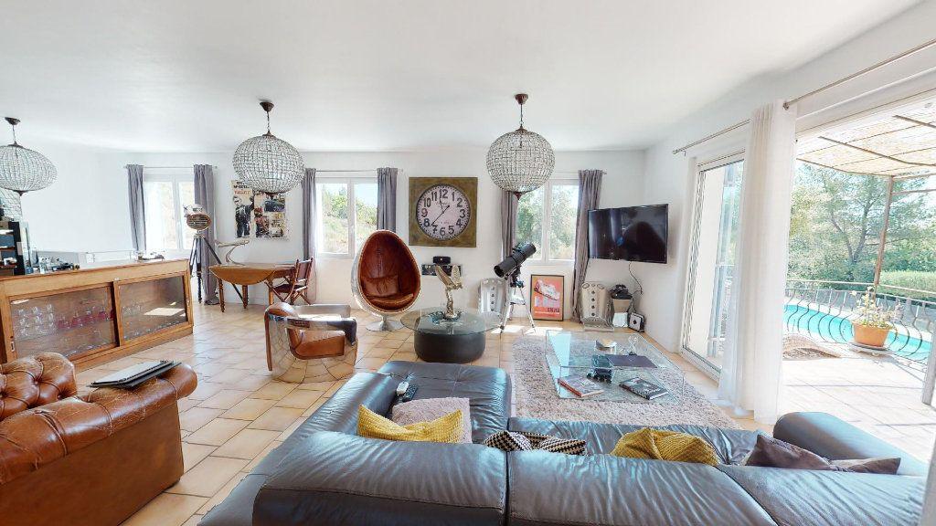 Maison à vendre 8 208.16m2 à Hyères vignette-4