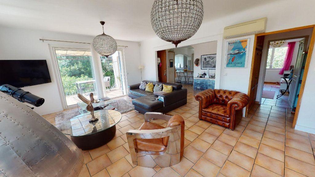 Maison à vendre 8 208.16m2 à Hyères vignette-5
