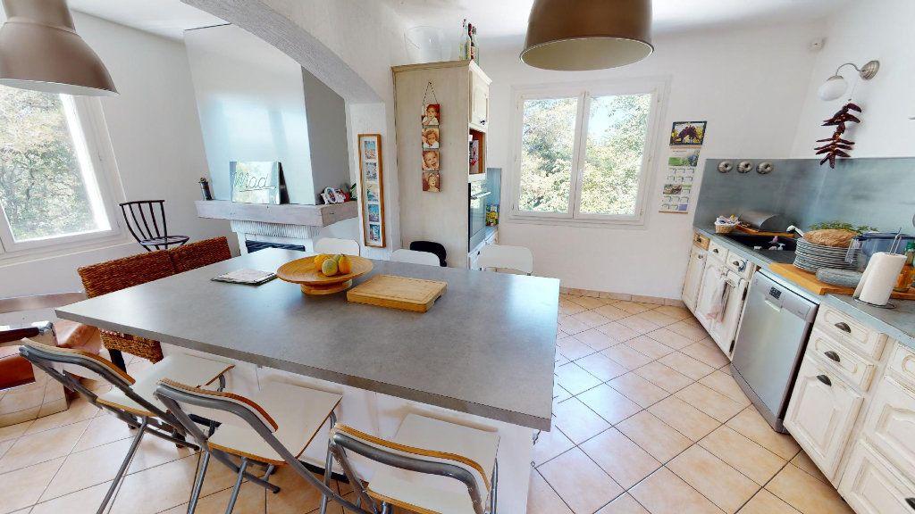 Maison à vendre 8 208.16m2 à Hyères vignette-6