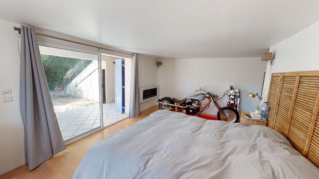 Maison à vendre 8 208.16m2 à Hyères vignette-7