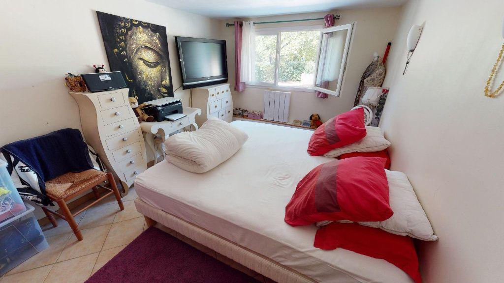 Maison à vendre 8 208.16m2 à Hyères vignette-9