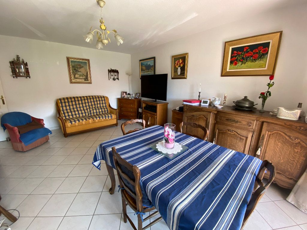 Appartement à vendre 3 65.68m2 à Hyères vignette-2
