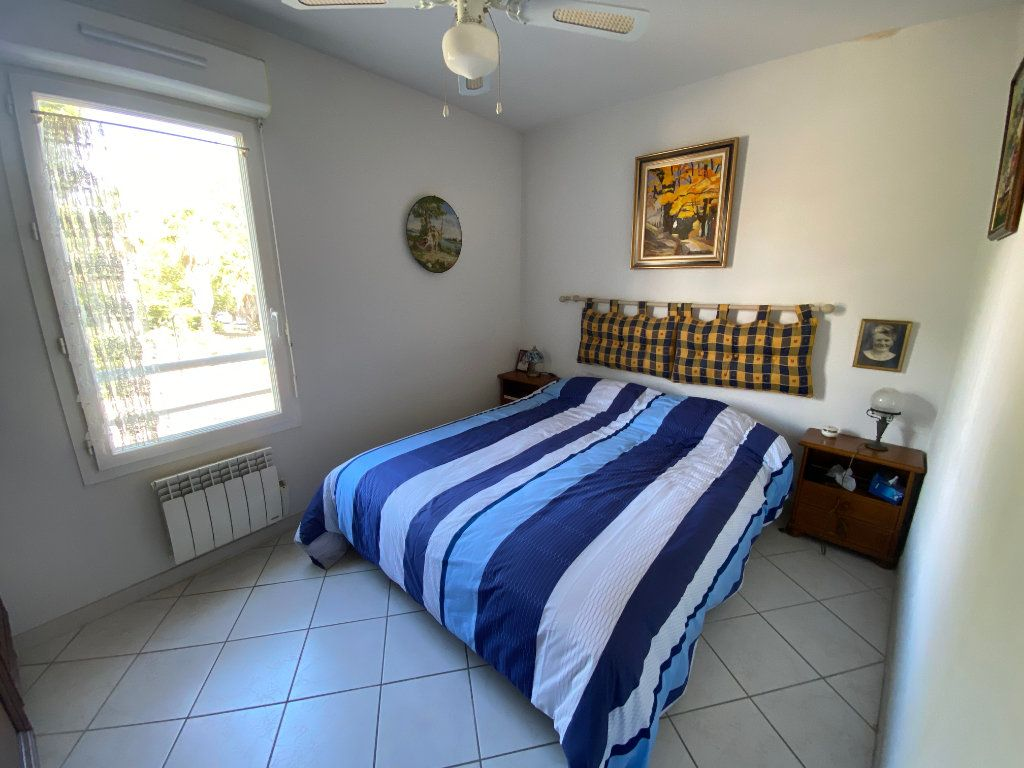 Appartement à vendre 3 65.68m2 à Hyères vignette-5