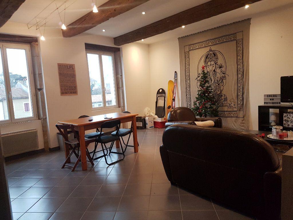 Appartement à louer 4 93m2 à Castres vignette-2