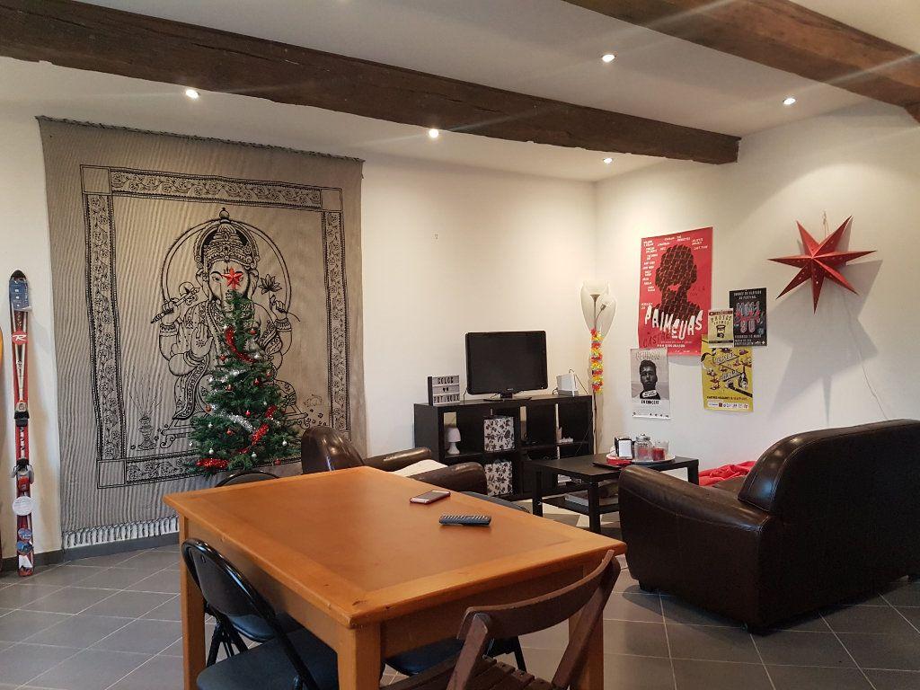 Appartement à louer 4 93m2 à Castres vignette-3