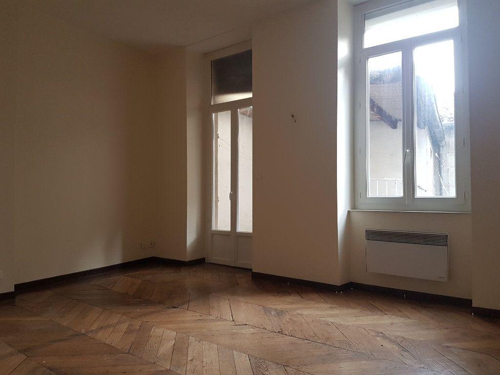 Appartement à louer 3 58.22m2 à Castres vignette-3