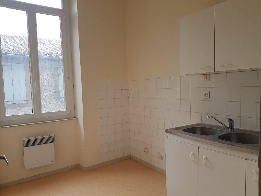 Appartement à louer 3 58.22m2 à Castres vignette-4