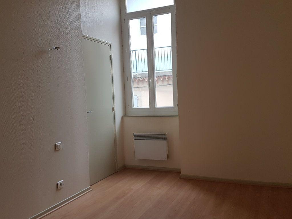 Appartement à louer 3 58.22m2 à Castres vignette-5